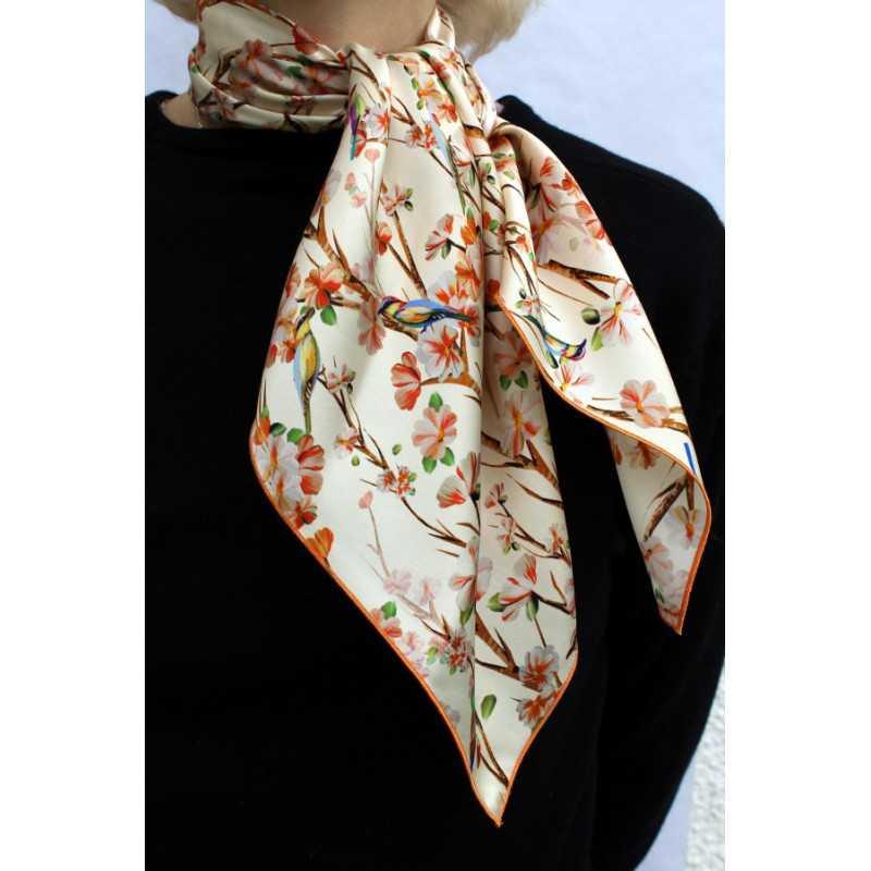foulard carr en soie fleurs pour femme cbf241 cb foulards france. Black Bedroom Furniture Sets. Home Design Ideas